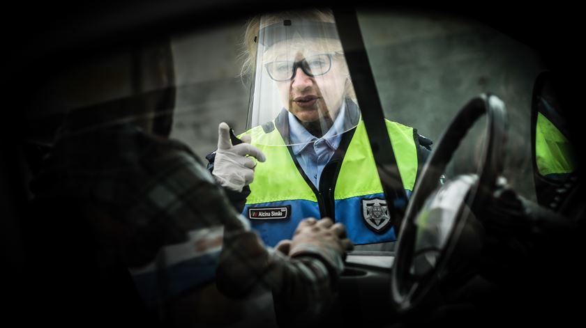 Polícias querem os mesmos benefícios aprovados para trabalhadores do SNS