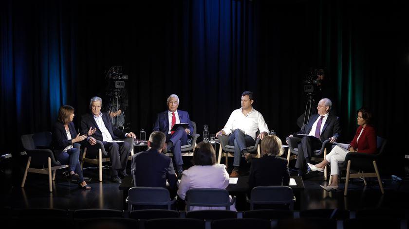 Debate a seis nas rádios Renascença, Antena 1 e TSF. Foto: Joana Bourgard/RR