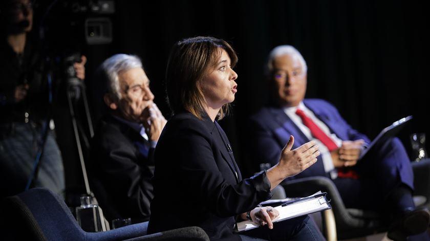 Costa recebe Bloco e PCP para viabilizar Orçamento