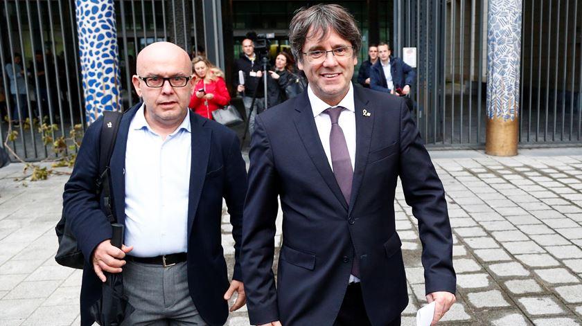 Tribunal belga suspende extradição de Puigdemont