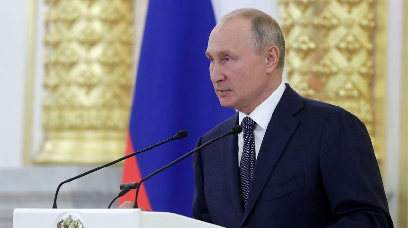 Putin propõe pacto global aos EUA sobre não agressão informática