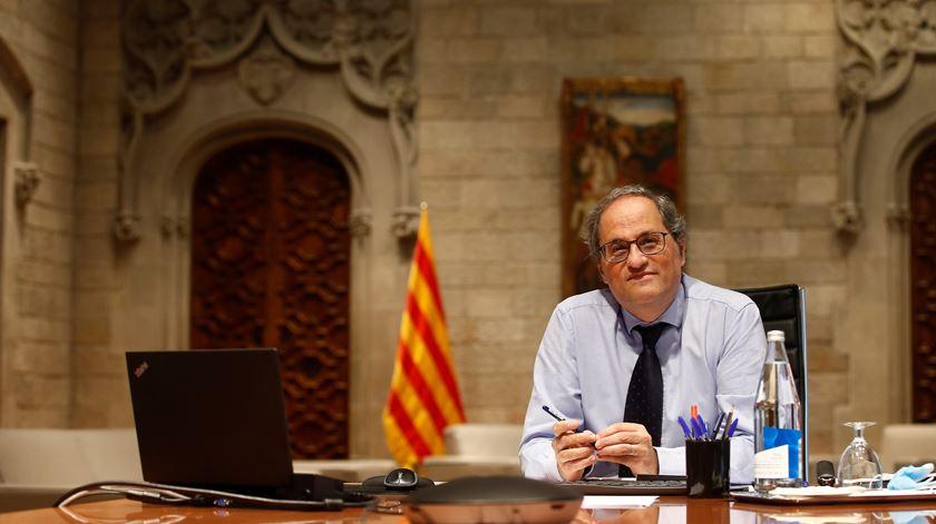 Catalunha proíbe ajuntamentos com mais de 10 pessoas