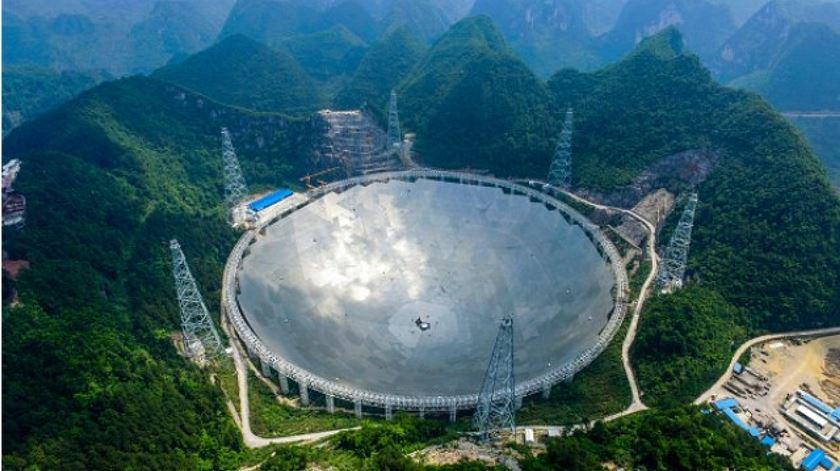 Maior radiotelescópio do mundo quer descobrir a origem do universo e extraterrestres