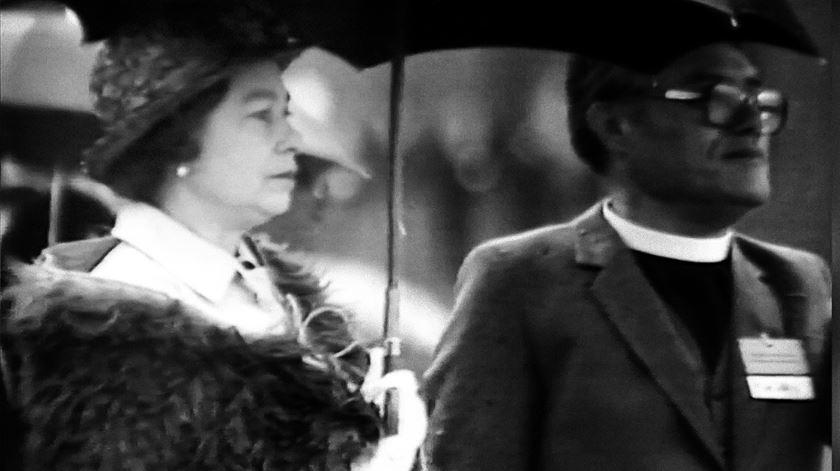 Revelada tentativa de homicídio da Rainha Isabel II, em 1981