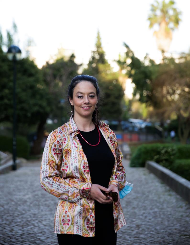 Raquel licenciou-se em gestão hoteleira e, desde 2016, dedica-se aos passeios turísticos por Lisboa, Sintra, Comporta e Fátima. Foto: Joana Gonçalves/ RR