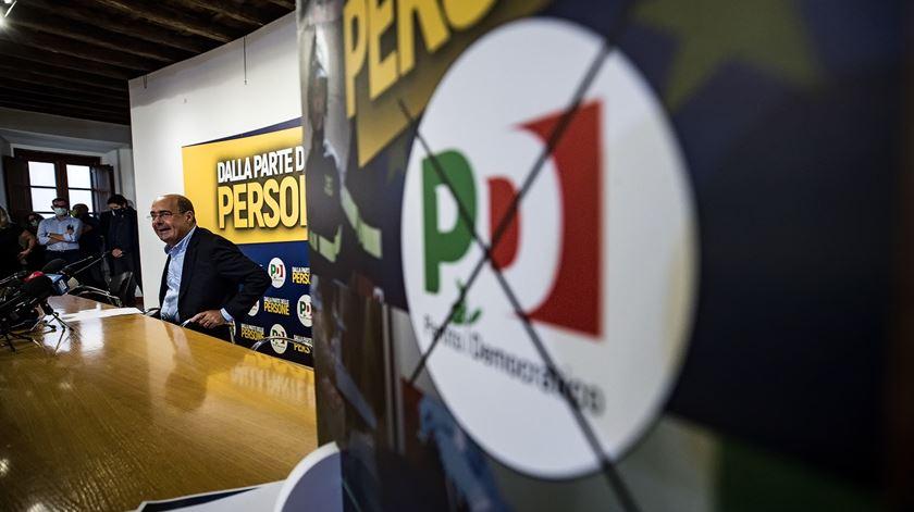 """Sondagem dá vitória ao """"sim"""" no referendo para reduzir deputados em Itália"""