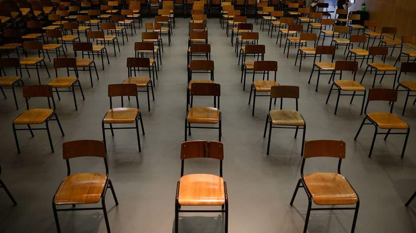 Agência Europeia defende esforço para a reabertura das escolas