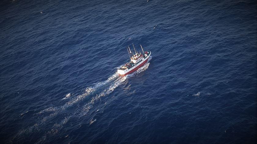 Força Aérea resgata pescador a 430 km de Lisboa