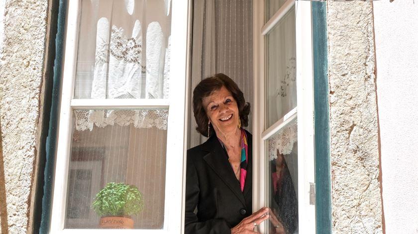 """""""Retratos à janela"""". Quando fotografar ajuda a combater a solidão"""