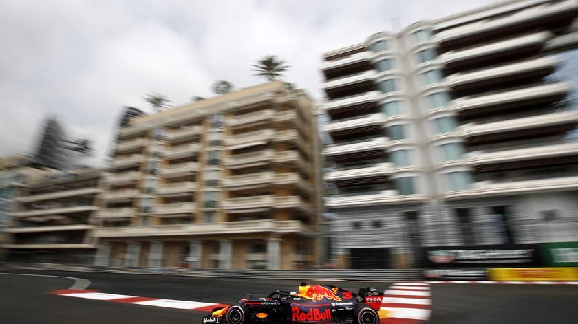 Ricciardo foi o mais veloz na primeira sessão de treinos livres no Mónaco. Foto: Yoan Valat/EPA