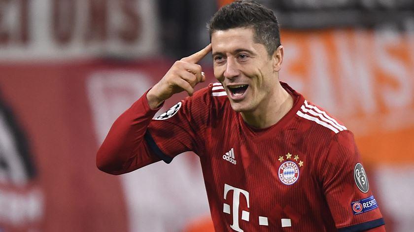 Bayern vence e coloca-se a três pontos do Dortmund