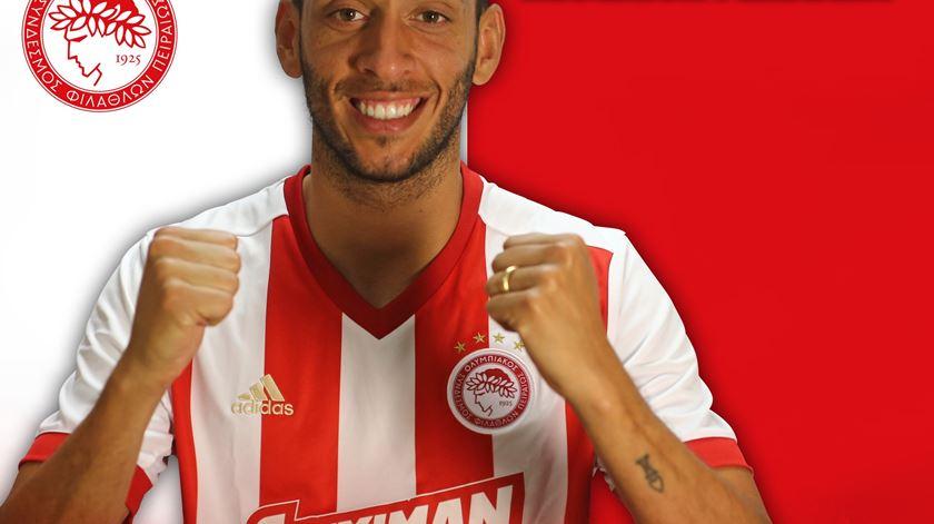 Roderick Miranda passou pelo Benfica e Rio Ave, antes de se transferir para o Wolverhampton. Foto: Twitter do Olympiakos