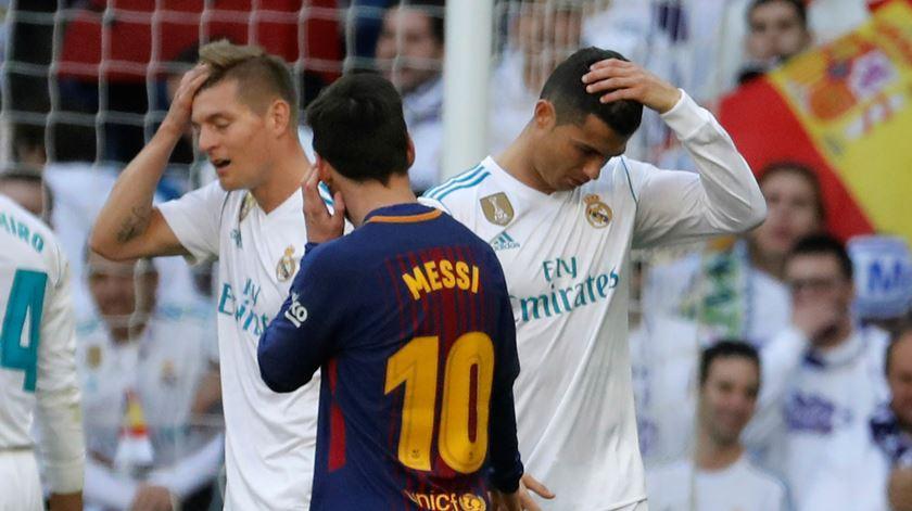 Ronaldo e Messi, dois astros como filho e bastardo? Foto: EPA
