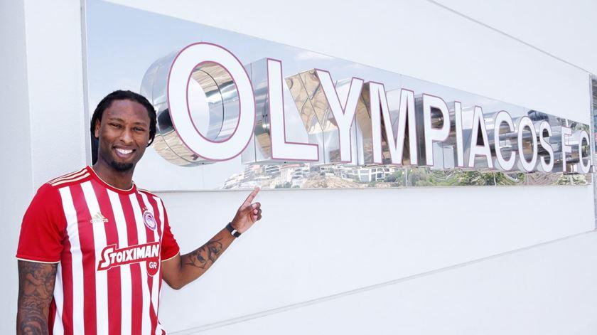 Olympiacos confirma contratação de Rúben Semedo