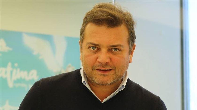 Reportagem com empresário português que está a processar a Huawei, da jornalista Ana Rodrigues