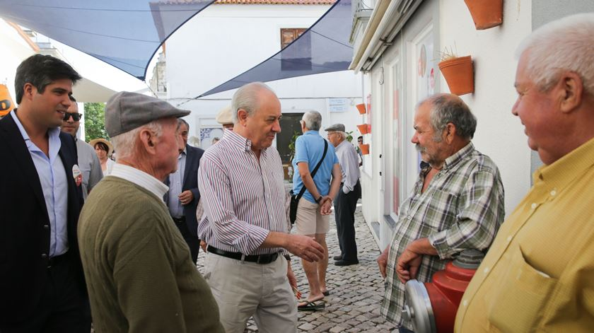 """Rio e Jerónimo passam por Beja. """"Aqui é tudo comunista. É tudo laranja do chão"""""""