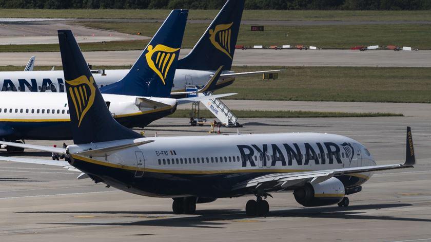 Ryanair não respeita a greve? Sindicato pede intervenção do Governo, que já avisou a companhia: a lei é para cumprir