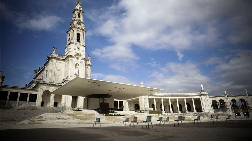 No silêncio do Santuário de Fátima. 12 e 13 de Maio durante a pandemia