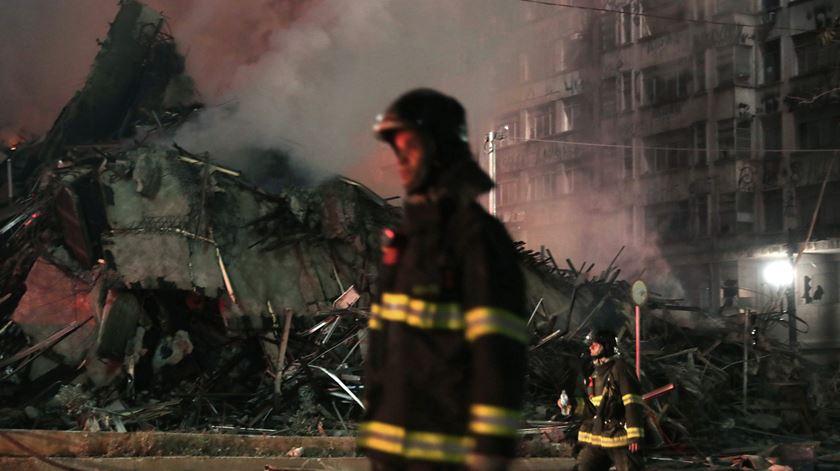 Brasil. Prédio desaba após incêndio em São Paulo