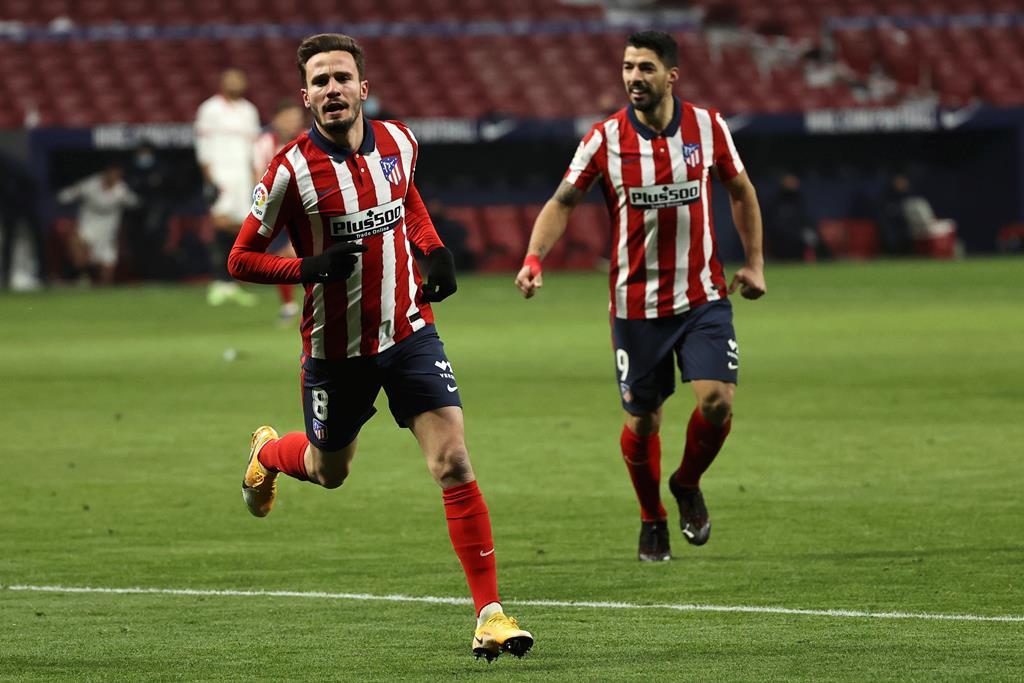 Saúl Ñíguez celebra o segundo golo. Foto: JuanJo Martin/EPA