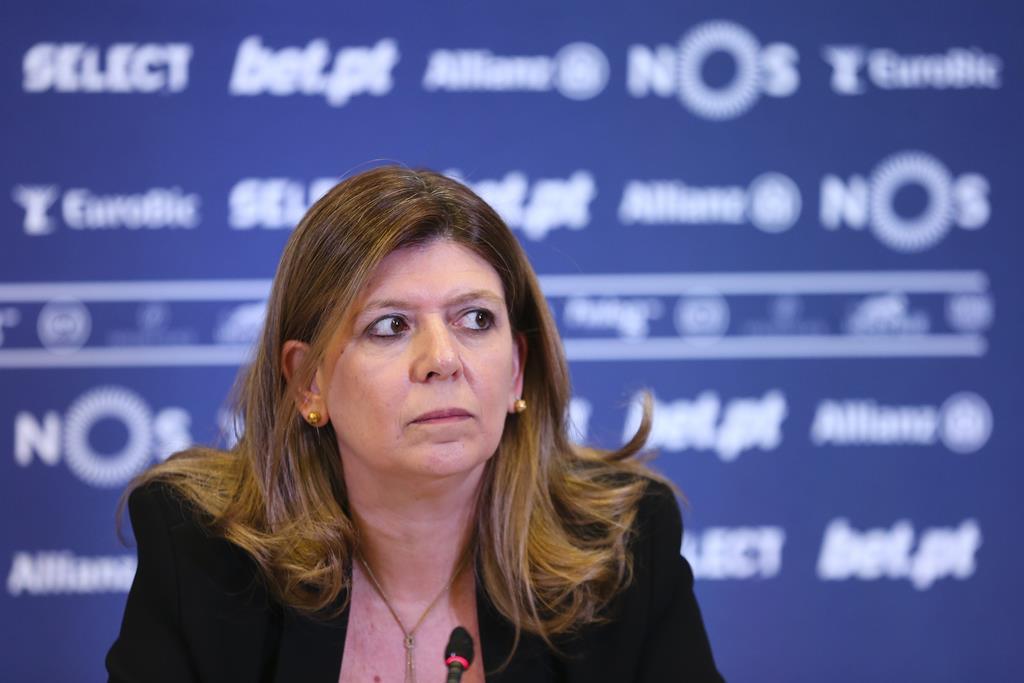 """Sónia Carneiro fala num """"voto de confiança"""" do governo. Foto: Liga de Clubes"""