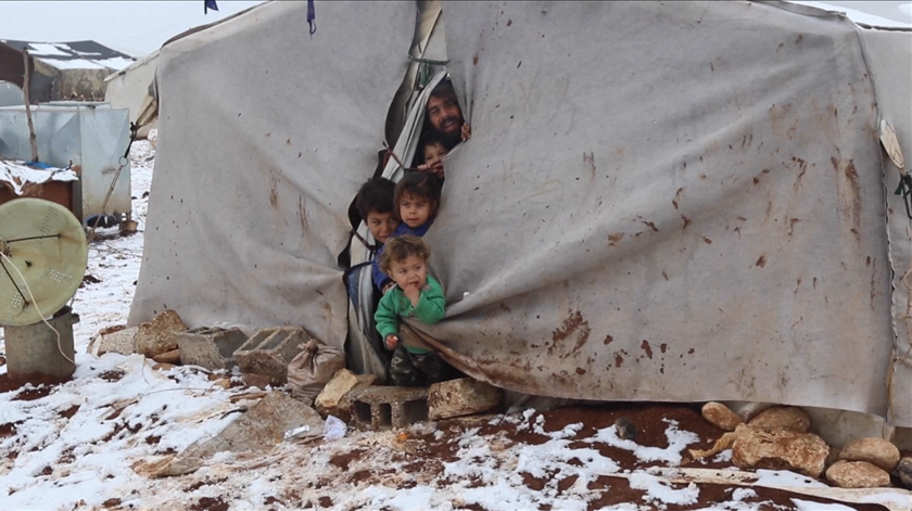 Síria. Pelo menos 30 crianças morrem de frio em campos de deslocados sem condições