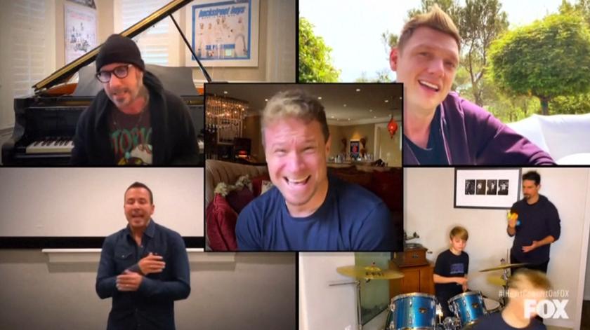 De Elton John aos Backstreet Boys, dezenas de artistas dão concerto solidário a partir do conforto das suas casas