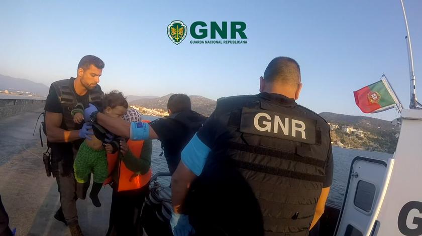 GNR resgata mais 40 migrantes