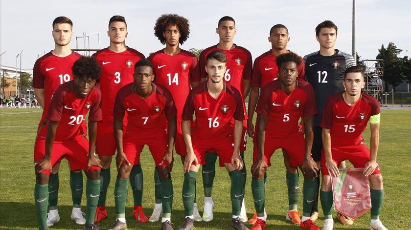 Médio português eleito jogador revelação do Torneio de Toulon