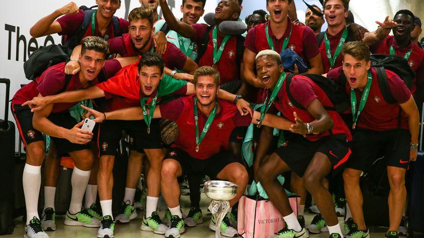 Quatro portugueses no onze ideal do Europeu de sub-19