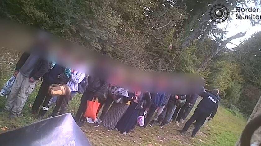 Polícia croata acusada de expulsar migrantes com excesso de violência