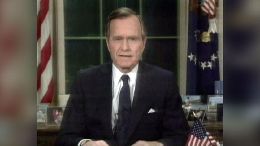 Do fim da Guerra Fria ao início da Guerra do Golfo, o perfil de George Bush