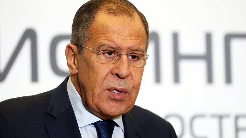 """Rússia lamenta que EUA optem por """"confrontação"""" na nova estratégia de defesa"""