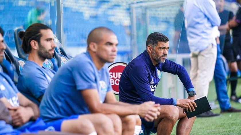 """Sérgio teve dificuldades em preparar o clássico. """"Tive sete jogadores em duas semanas"""""""