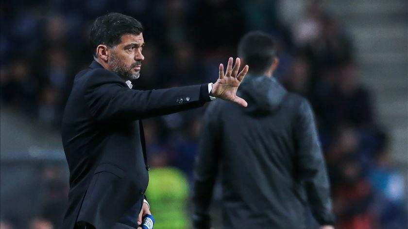 Raul Sousa critica instabilidade que Sérgio dá ao onze do FC Porto. Foto: Manuel Fernando Araújo/Lusa