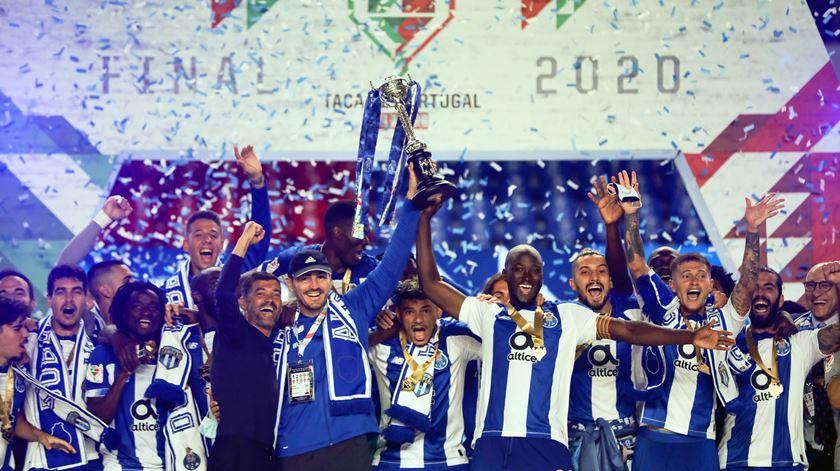 FC Porto fez a festa da Taça em Coimbra. Dobradinha em imagens