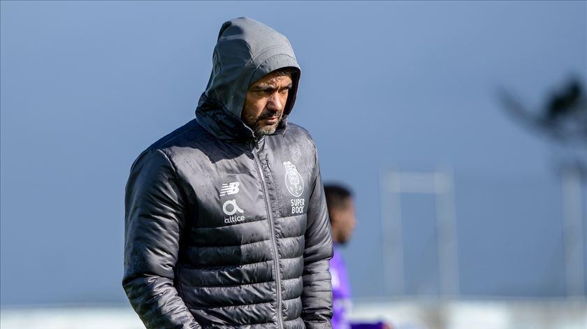 Sérgio Conceição orienta treino com apenas 10 jogadores