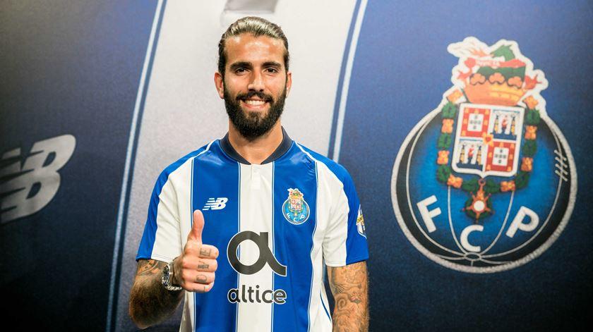 """Sérgio prolonga o """"casamento"""" com os campeões nacionais. Foto: FC Porto"""