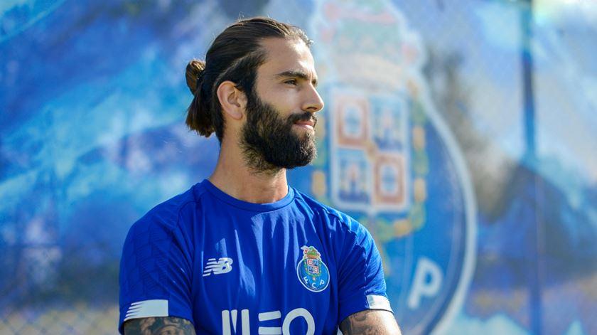Sérgio Oliveira não vai a jogo com o Vitória de Setúbal. Foto: FC Porto