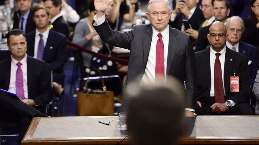Jeff Sessions no juramento no Senado. Foto: Melina Mara/EPA