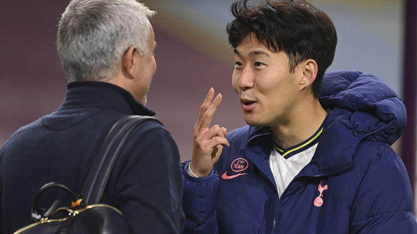 Jose Mourinho e Heung-Min Son, Tottenham. Foto: Michael Regan/EPA