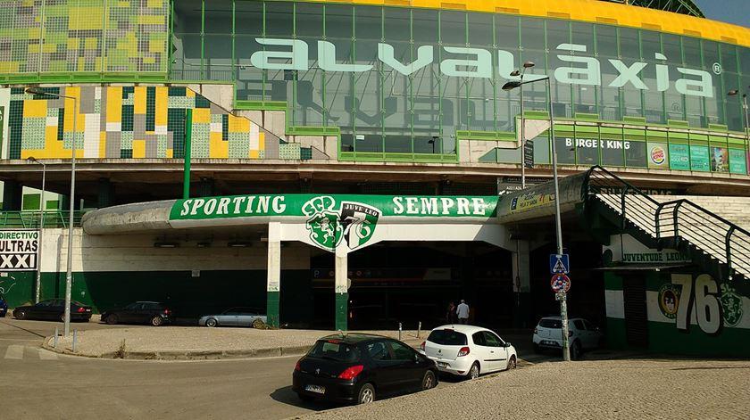 NOS rejeita cenário de rescisão de contrato com o Sporting. Foto: Commons wikimedia