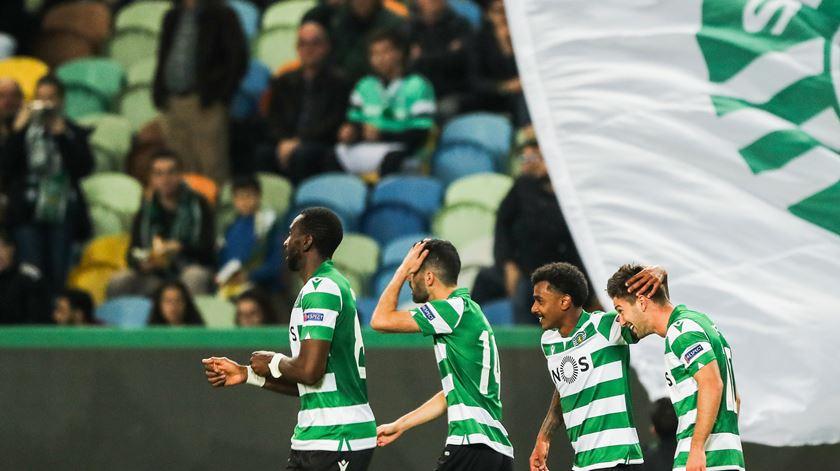 Dupla do Sporting e dois portugueses na equipa da semana da Liga Europa