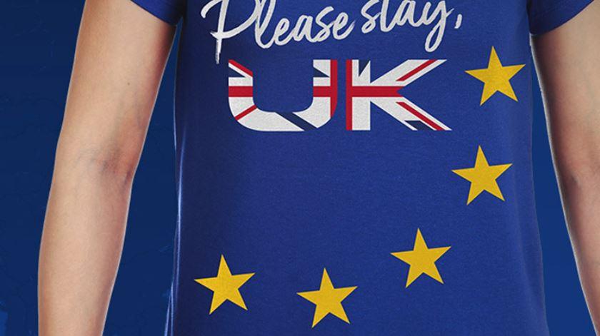"""Please stay, UK"". Portugueses lançam campanha europeia contra o Brexit"