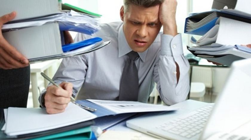 Jovens adultos enfrentam seis horas de stress por dia