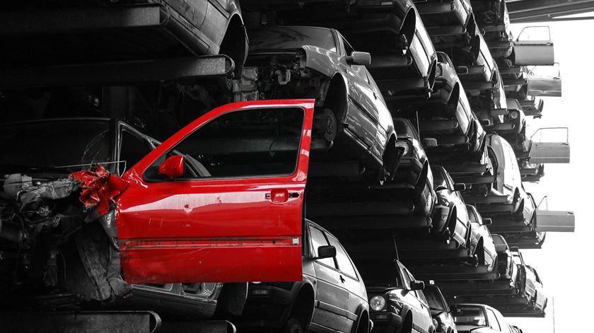 Sites de vendas prejudicam negócio de abate de automóveis