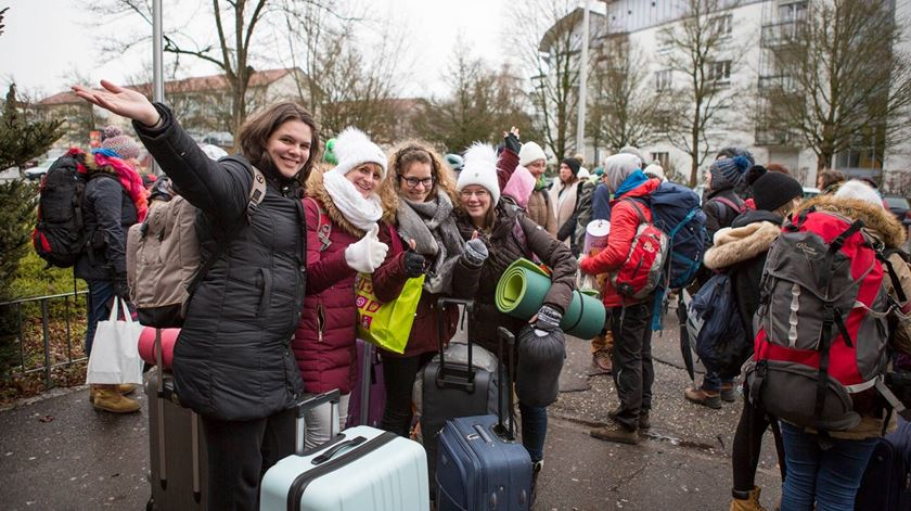 Jovens chegam a Basileia, na Suíça, para participar no encontro de Taizé. Foto: Facebook Taizé