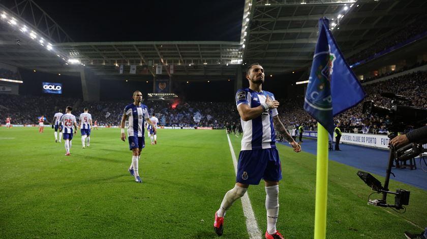 FC Porto perto de vender Alex Telles ao Paris Saint-Germain