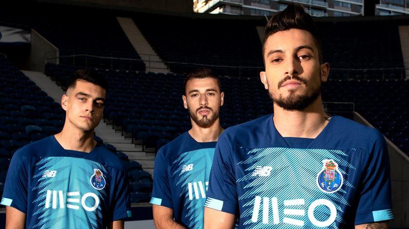 """""""Pele de dragão"""" é o terceiro equipamento do FC Porto"""