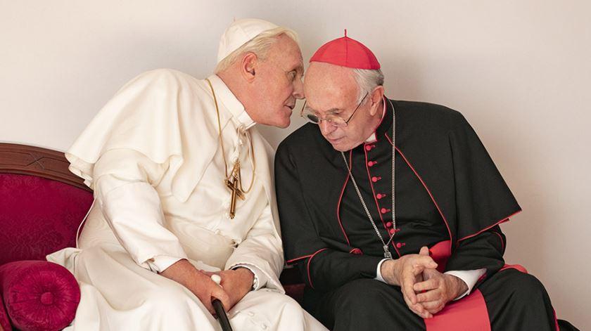 """""""Os Dois Papas"""". O filme da Netflix sobre Francisco e Bento XVI já é apontado aos óscares"""